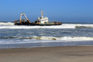 Schiffswrack an der Skelettküste
